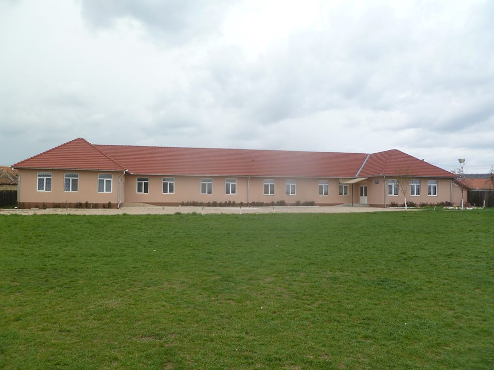 School in Tinca